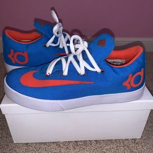 KIDS Nike KD tennis shoes 👟NEVER WORN